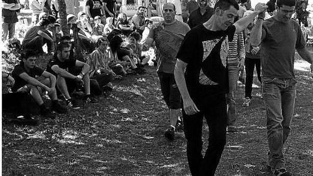 El alcalde bailando el Zortziko de Urdiain en la campa de San Pedro