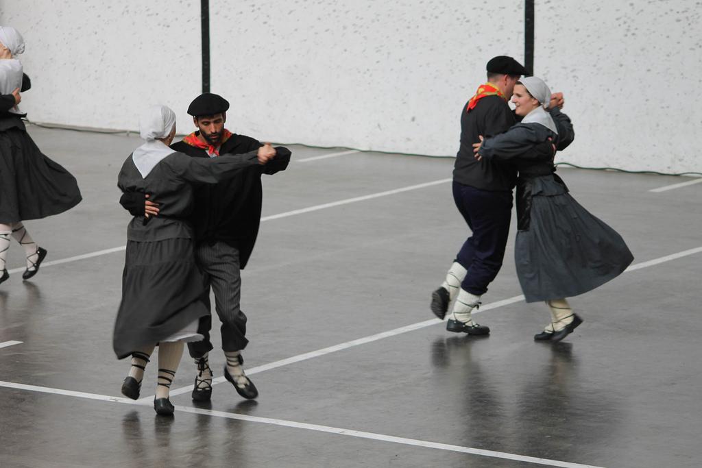 Luzaide. 2017. Kontra dantzak. Iturria: Dantzan.eus. Maite Irizar