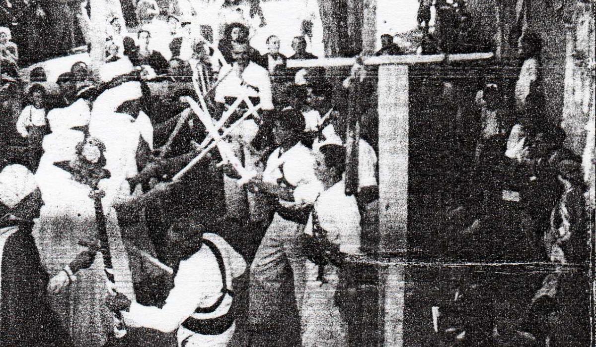 Moros y Cristianos. cortes, 1944.