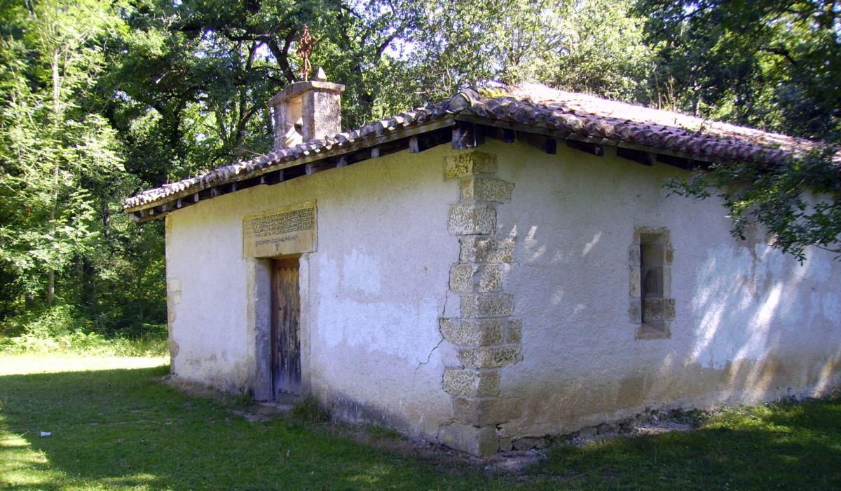 Urdiain eta Altsasu artean dagoen San Pedroko baseliza