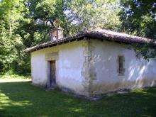 Ermita de San Pedro entre los términos de Urdiain y Altsasu